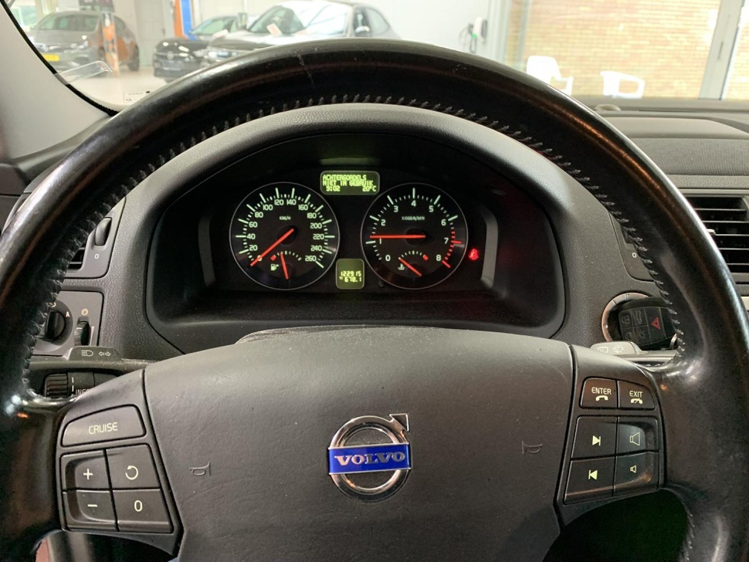 Volvo-V50-15